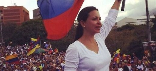 Masiva participación en Venezuela en la consulta contra el régimen de Maduro