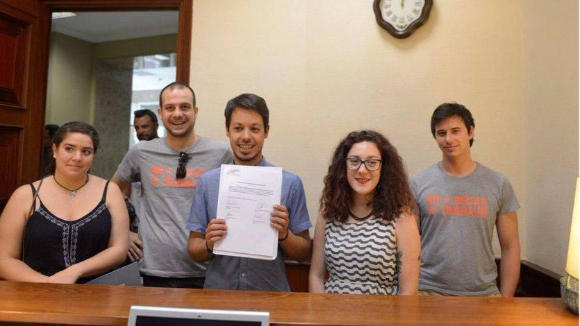 Podemos se adelanta al PSOE y registra una iniciativa para mejorar las condiciones de los becarios