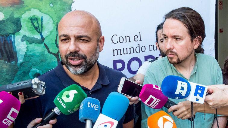 Pablo Iglesias junto al secretario de Podemos Castilla-La Mancha, José García Molina, antes de la reunión del Consejo Ciudadano Estatal