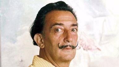 Exhumados los restos de Dalí tras 4 horas de tareas