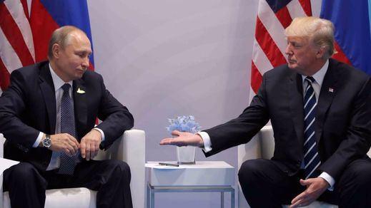 ¿Se reunieron Trump y Putin a escondidas en el baño?
