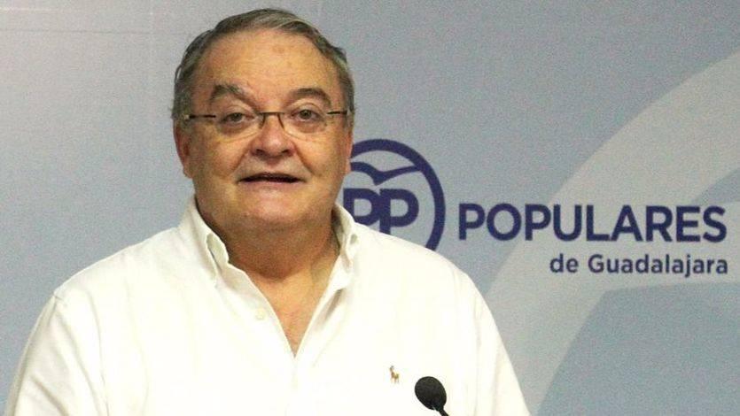 El senador del PP Juan Antonio de las Heras en rueda de prensa