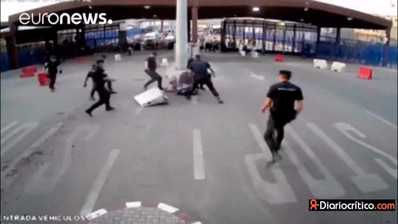Vídeo: así redujo la Policía al atacante de la frontera de Melilla