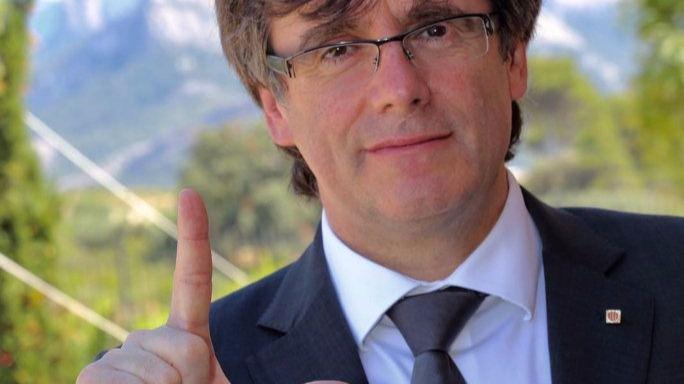 Puigdemont confesó en una cena privada que ya tiene las urnas para el referéndum