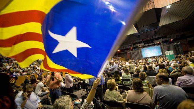 Los empresarios catalanes consideran la ley del referéndum un intento de