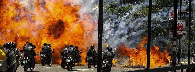 Al menos una docena de muertos en la tensa jornada electoral en Venezuela