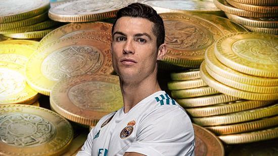 Cristiano Ronaldo regateó a la prensa a la entrada y a la salida del juzgado donde declaró por presunto fraude fiscal