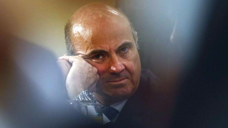 De Guindos no será presidente del Eurogrupo tras renunciar como aspirante