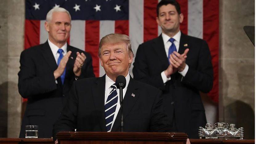 Trump crea su propia versión del 'Aló Presidente' para combatir a la prensa
