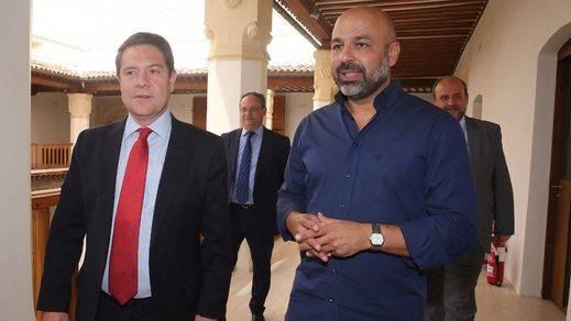 El Gobierno de Castilla-La Mancha ya es mixto: Page nombra vicepresidente al 'podemita' García Molina