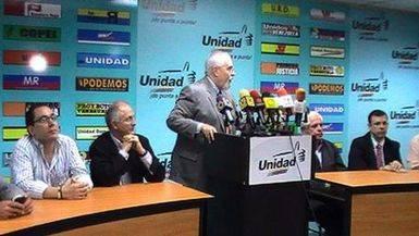 Maduro dejará presentarse a la oposición a las elecciones regionales si tiene un
