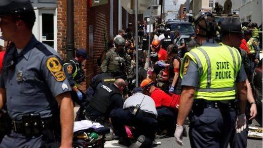 Tres muertos en incidentes entre supremacistas blancos y grupos antifascistas en el estado de Virginia (vídeo)