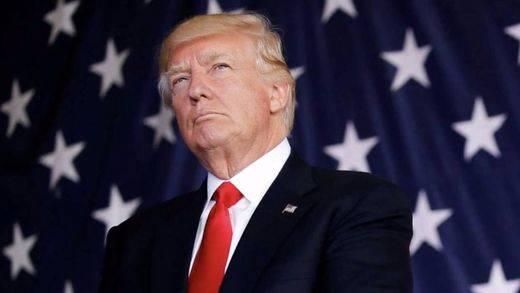 Trump equipara de nuevo a neonazis con los antifascistas, se gana la condena de su partido... y el aplauso del Ku Klux Klan