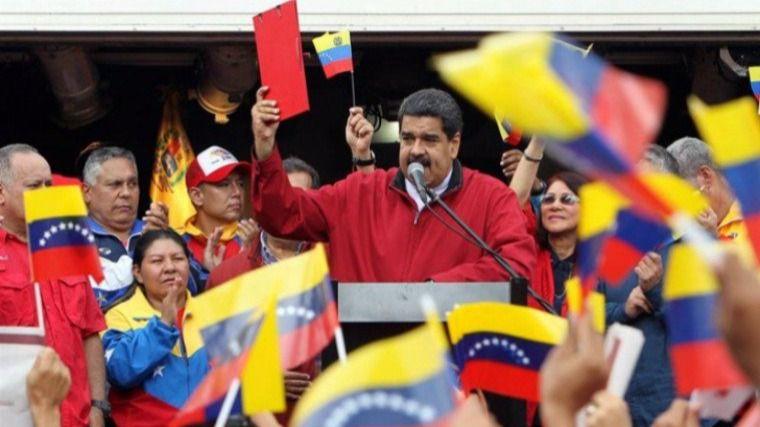 El PSOE se une tibiamente a Podemos e IU a favor de no intervenir en Venezuela