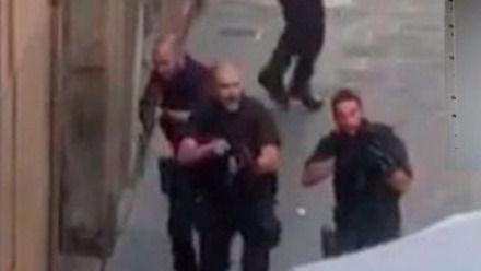 > Atentado de Barcelona: 13 muertos y más de 100 heridos