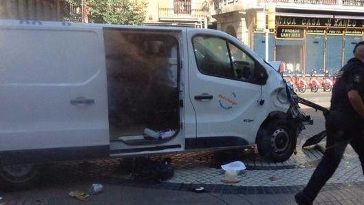 Alquiler de furgonetas en España: demasiada facilidad para hacerse con un vehículo