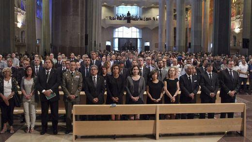 Organizaciones laicas protestan por el funeral oficial católico de las víctimas de los atentados
