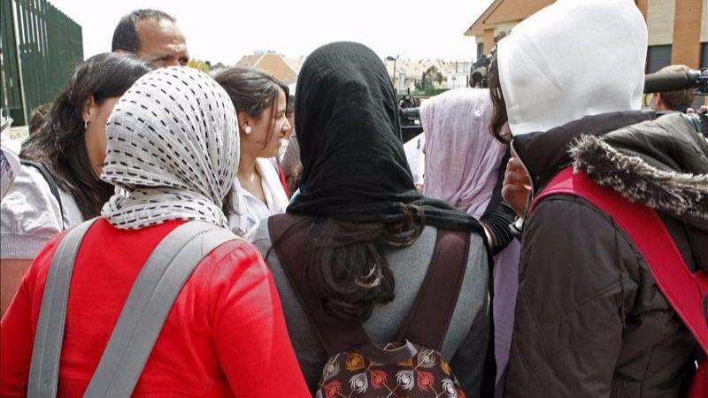 Una joven musulmana ha sido agredida por un grupo en Madrid
