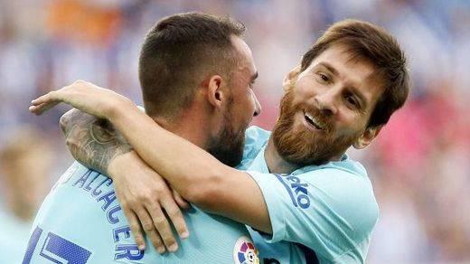 Messi es suficiente para seguir tapando la crisis del Barça: 0-2 al Alavés
