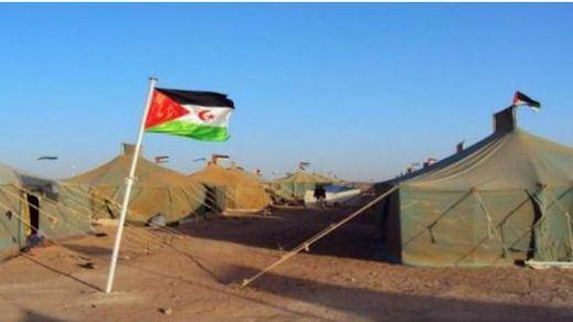Medio centenar de saharauis que piden asilo llevan días encerrados en el Aeropuerto de Barajas