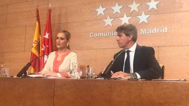 Cristina Cifuentes presenta el proyecto de Ley de víctimas del terrorismo junto al portavoz Ángel Garrido
