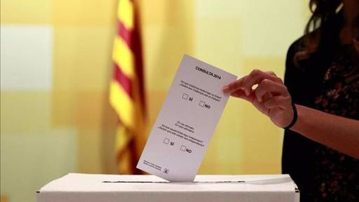 > Los casi mil alcaldes de Cataluña, fundamentales para que fracase o no el referéndum