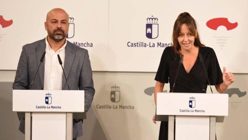 Los miembros de Podemos en el nuevo gobierno renuncian al coche oficial y donarán parte de su sueldo
