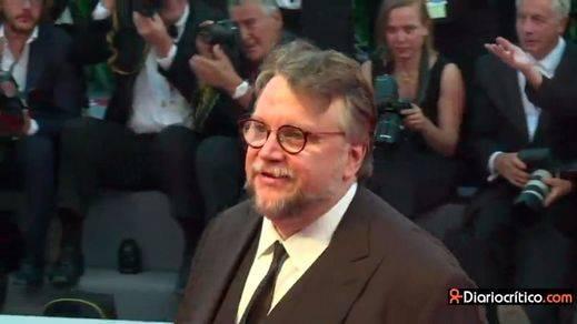 Guillermo del Toro gana el León de Oro de Venecia con una fantasiosa propuesta