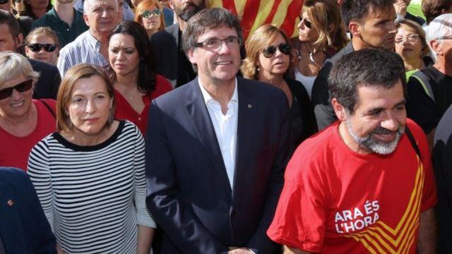 El Govern catalán prepara 'alternativas' para que se vote en los municipios que no colaborarán