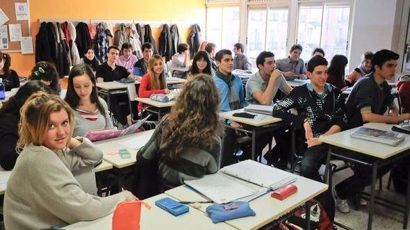 España tiene el doble de adultos entre 25-34 años que sólo tienen la ESO respecto a la media OCDE