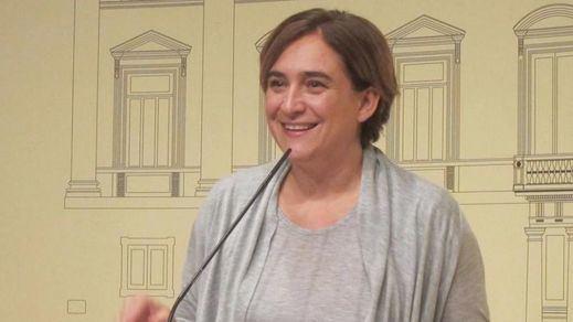 La Fiscalía no encuentra forma de actuar contra Ada Colau por su ambigua postura con el referéndum