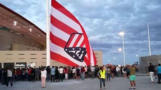 La pifia viral con la bandera del Atlético