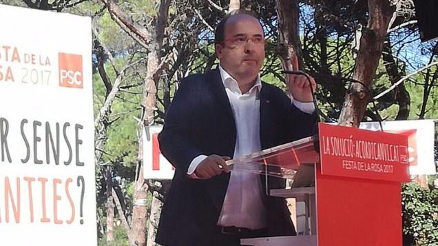 Los socialistas no romperán el pacto con Ada Colau en la alcaldía de Barcelona, pero se distancian