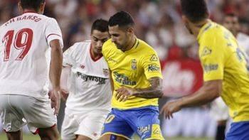 Lamentables gritos de 'Vitolo muérete' en el campo del Sevilla