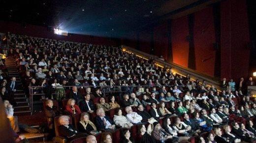 El IVA del cine bajará del 21 al 10% en 2018