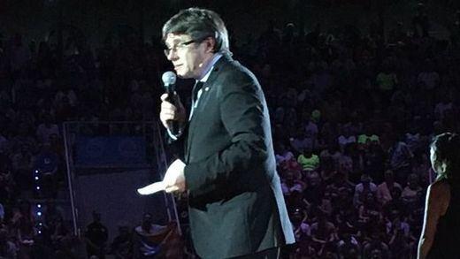 Puigdemont ya no se corta y acusa a Rajoy de ser el
