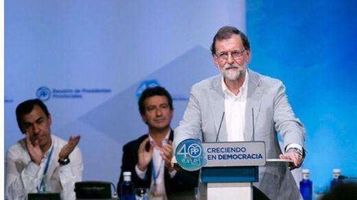 Rajoy se niega a quedar de malo de la película y acusa a las autoridades catalanas de