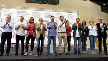 Podemos ofrece una nueva moción de censura contra Rajoy como paso previo a un referéndum pactado