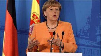La eterna Merkel consigue su cuarta victoria, pero tendrá que pactar con los liberales tras la debacle del SPD y la llegada de la ultraderecha al Parlamento