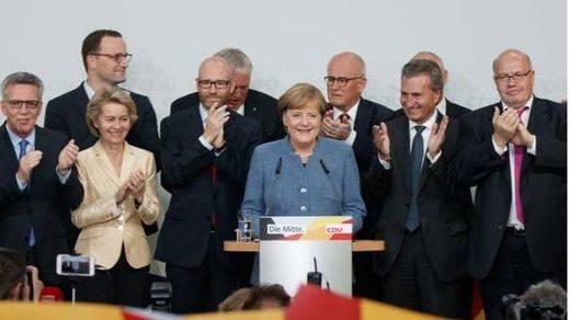 La victoria más débil de Merkel hace temblar a Europa mientras entra con fuerza la ultraderecha neonazi