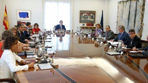 El Gobierno reúne un gabinete de crisis para afrontar los últimos retos de la Generalitat para celebrar el referéndum