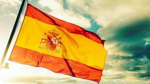 El Ayuntamiento de Madrid se niega a llenar la ciudad de banderas de España
