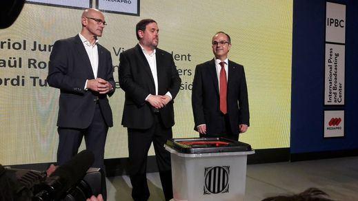 La Generalitat presenta urnas de plástico para votar el 1-O