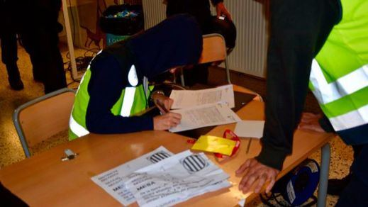 La Policía y la Guardia Civil sólo lograron cerrar 92 colegios electorales en toda Cataluña