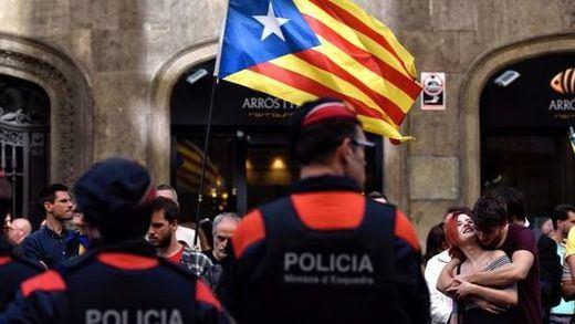 La pasividad de los Mossos forzó a actuar a Policía y Guardia Civil