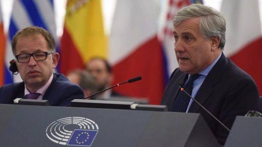 La verdadera única salida: la intervención de la Unión Europea que espera Rajoy