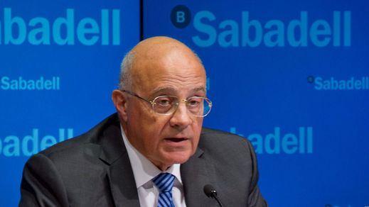 El Banco Sabadell trasladará su sede a Alicante; CaixaBank ultima hoy su salida