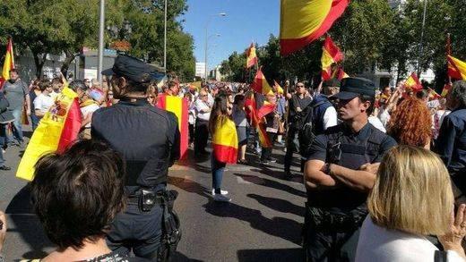 Las diferentes visiones de las manifestaciones por la crisis catalana