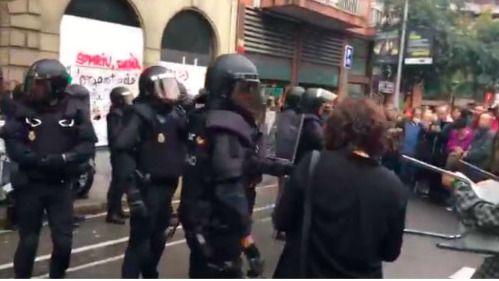 El Comisario Europeo de Derechos Humanos pide a Interior investigar las cargas policiales del 1-O