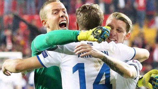 Islandia y Serbia se clasifican para el Mundial y Gales se queda fuera